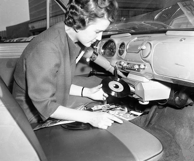gramofon-v-aute
